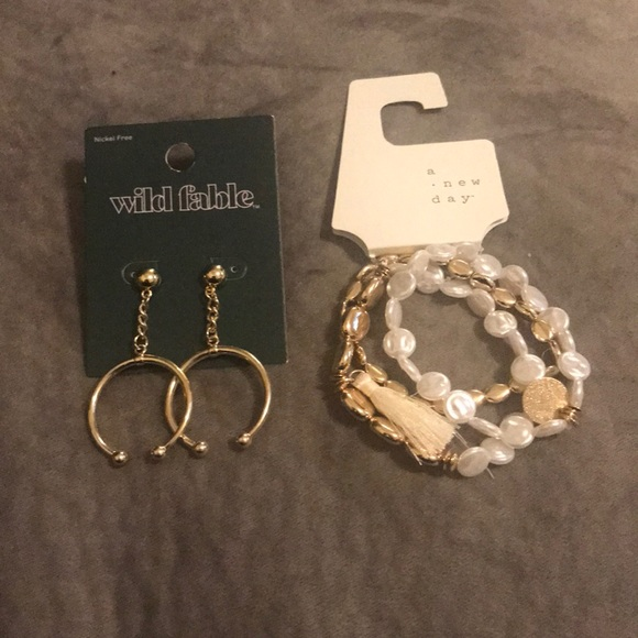 wild fable Jewelry - Earring and necklace set.